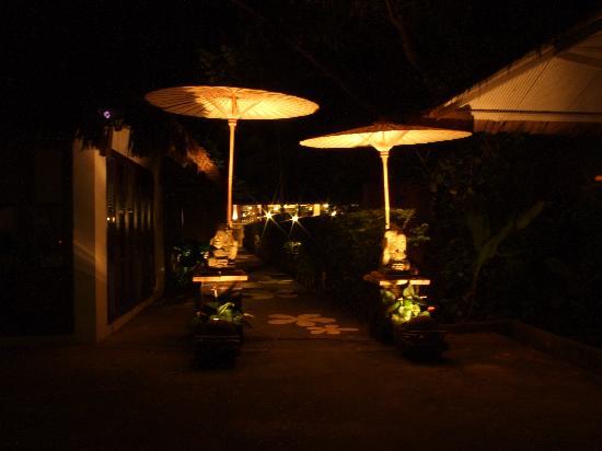 โรงแรมบ้านน้ำปิง: Entrance