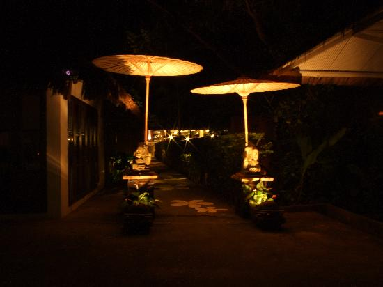Baannamping Riverside Village: Entrance