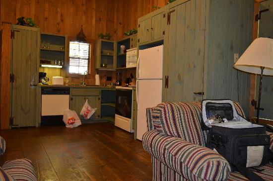 Cabins At Green Mountain: Kitchen Area