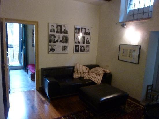 Apple Suite Bed & Breakfast: seating room