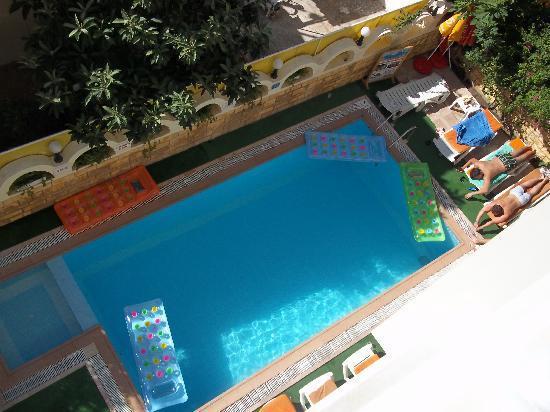Sun Maris City Hotel: pool and terrace from my balcony