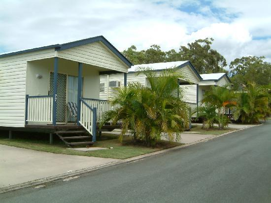 Alex Beach Cabins & Tourist Park: A few of our cabins in the park