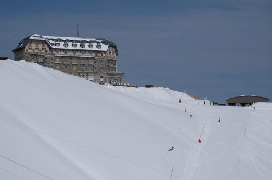 Les Villages Clubs du Soleil Superbagneres: Le bâtiment en hiver