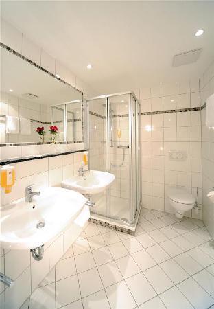 Best Western Parkhotel Ropeter: Badezimmer Standard Kategorie