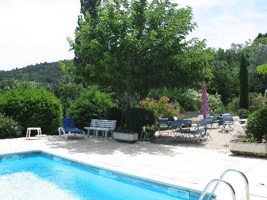 Piscine photo de le mas d 39 helene crestet tripadvisor for Piscine romaine