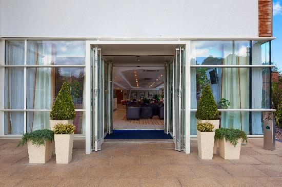 Holiday Inn Express Chester - Racecourse: Hotel Entrance