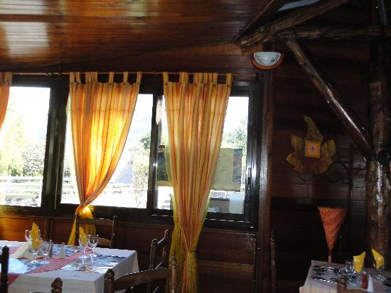 Le Cottage : inside the restaurant
