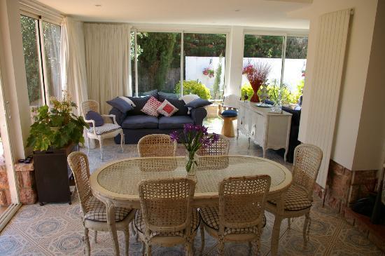 Maison Rose : Guest's Lounge