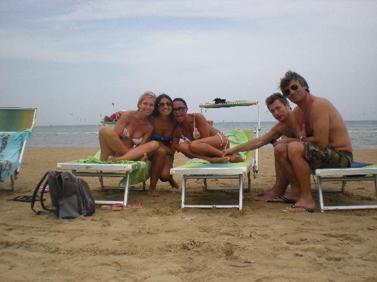 Village Le Orchidee: tutti in spiaggia!