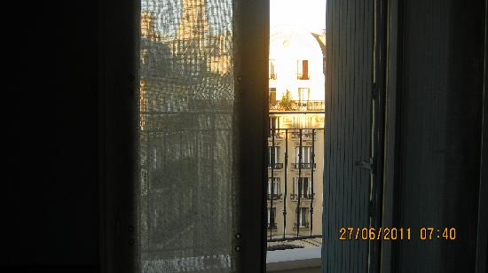 La Maison Saint Germain: View form our bedroom: St. Suplice towers.