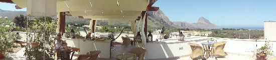Castelluzzo, Italy: panoramica della terrazza