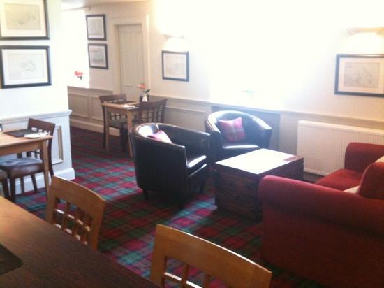 Bridgend Hotel Restaurant: Lounge
