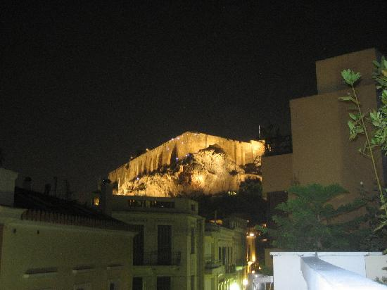 AVA Hotel Athens: View of Acropolis from our balcony (#302) with no zoom. Wow!