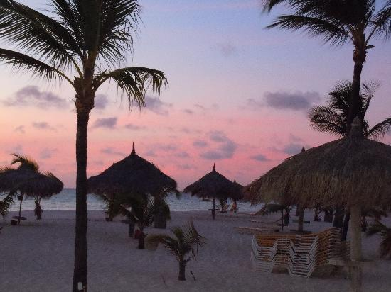Palm - Eagle Beach, Aruba: dusk at Manchebo