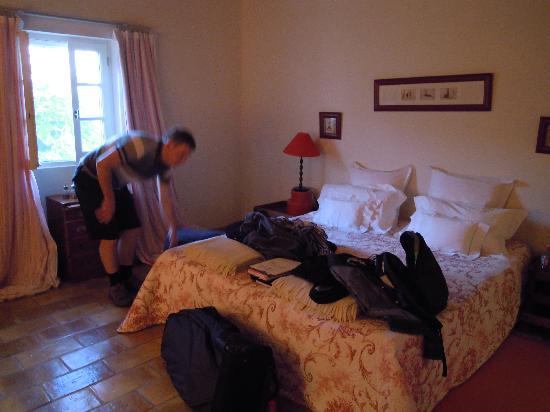 La Ferme de Gigognan: The bedroom