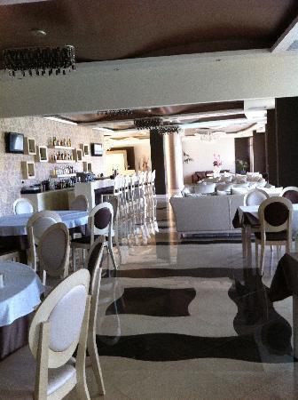 Evia Hotel & Suites: restaurant de l'hôtel