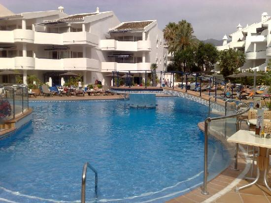 Sahara Sunset Club: Swimming pool in main complex