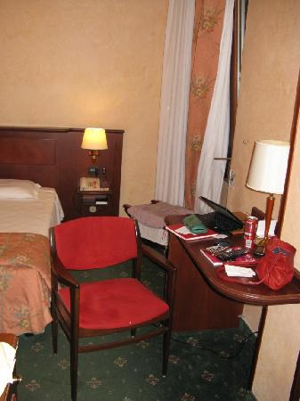 Windsor Hotel Milano: Room