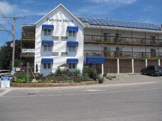 Tobermory Princess Hotel View
