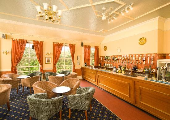 Bay Waverley Castle Hotel: Bay Waverly Castle Bar
