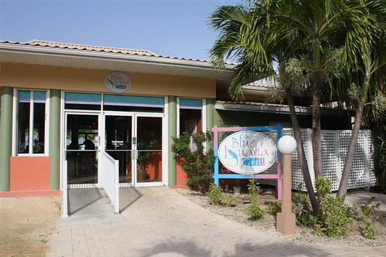 The Blue Iguana Grill: Front