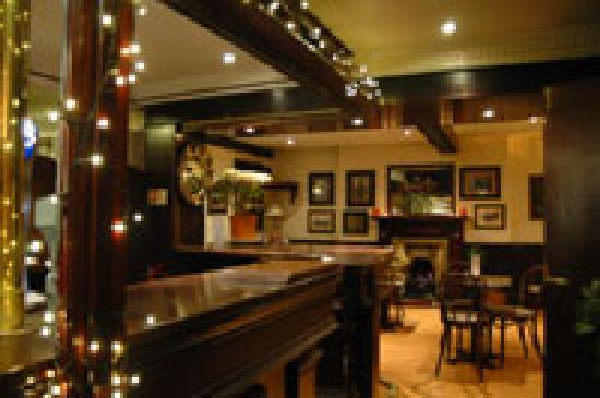 Argyll Hotel: Sutherlands Bar