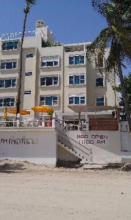 Atlantic Beach Hotel: the hotel