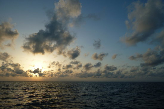 Ana Luna Adventures: Sunset over the sea north of Bermuda