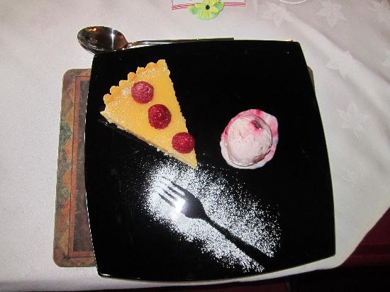 Brooklynn Guest House: Dinner: Sweet delights after the main course