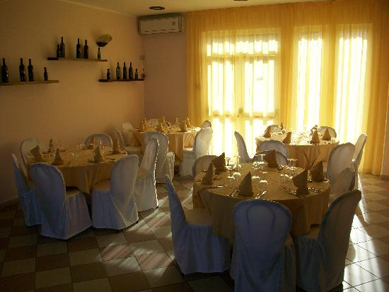 Hotel Daulia: servizio ristorante di buona professionalità