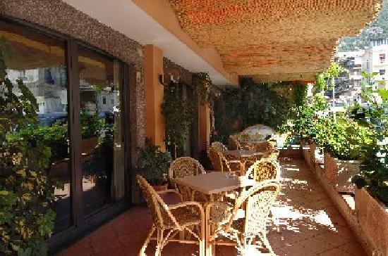 Hotel 7 Bello: Ingresso bar