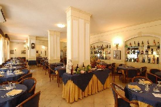 Hotel 7 Bello: Sala Ristorante