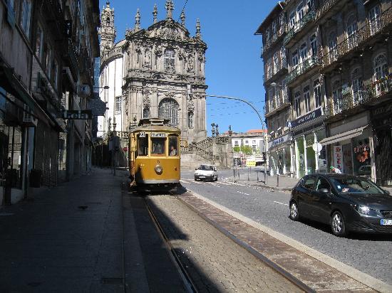 Porto, Portugal: lo storico tram 22