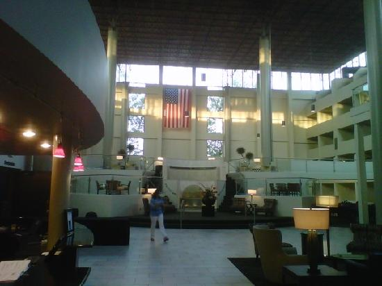 Crowne Plaza Indianapolis Airport: From the Front Desk