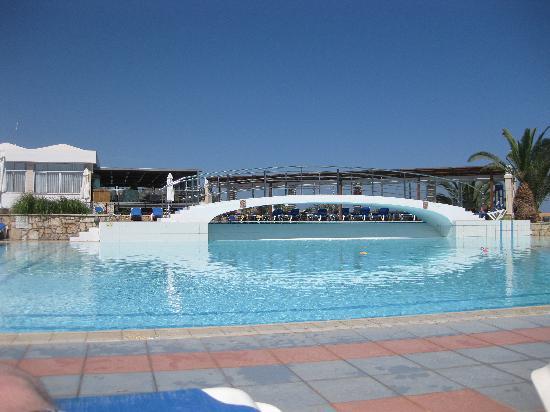 AKS Annabelle Beach Resort: Top pool