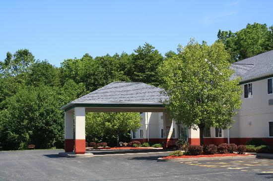 Dollinger's Inn & Suites: Home away from home.
