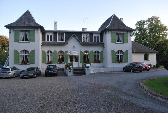 St-Quentin, Francia: Hostellerie du Chateau, Neuville St Amand