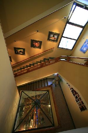 Hotel La Perla: foto nei corridoi