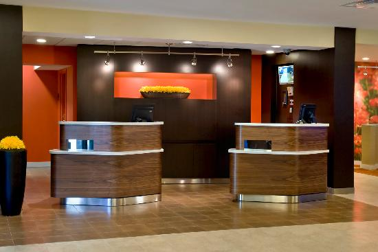 Courtyard Lincroft Red Bank: Check-In Podiums