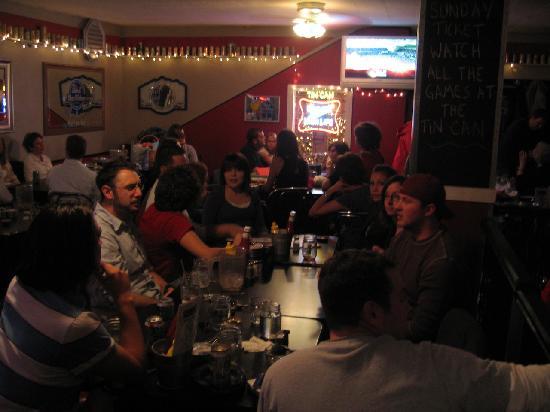Tin Can Tavern & Grille: Sure looks like fun!