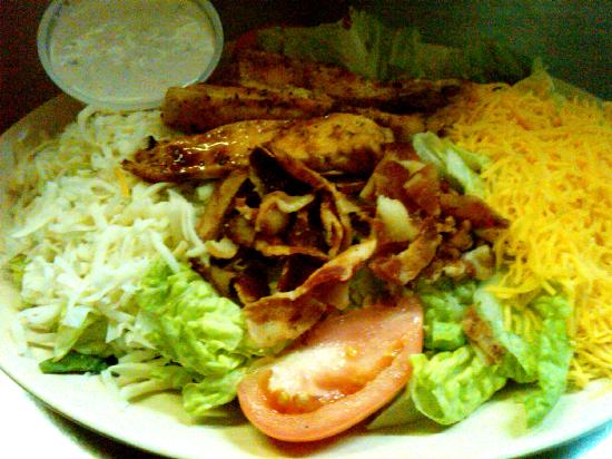 "Tin Can Tavern & Grille: The ""Semi-Healthy"" Chicken-n-Bacon Salad"