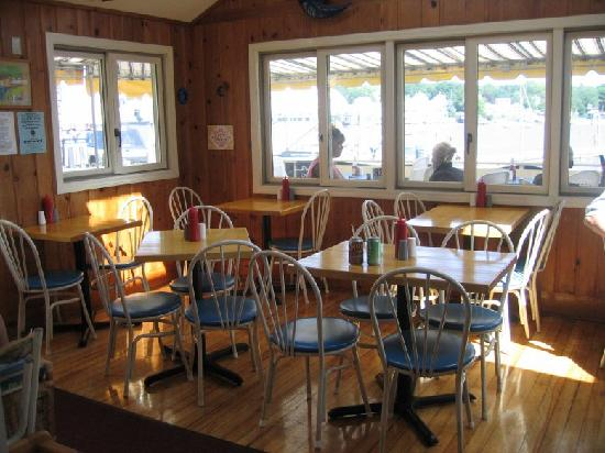 Blue Moon Cafe: interior of cafe