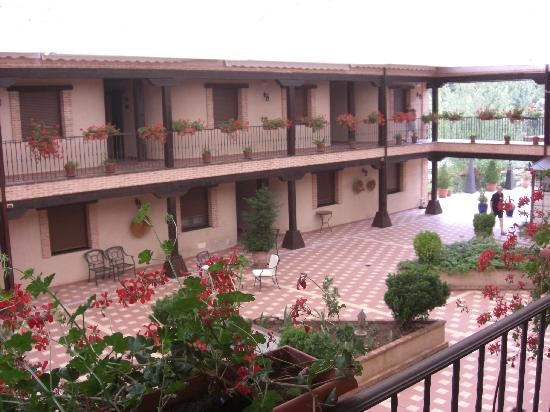 Hotel Coto del Valle: The courtyard