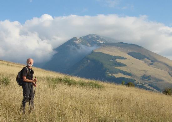 Agriturismo Tholos: The mountains above Tholos