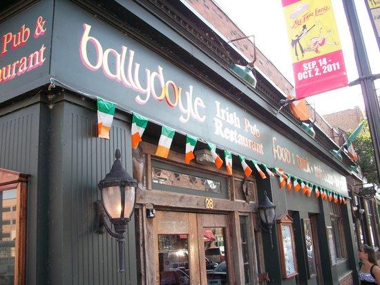 Ballydoyle Irish Pub & Restaurant: Exterior Ballydoyle 1