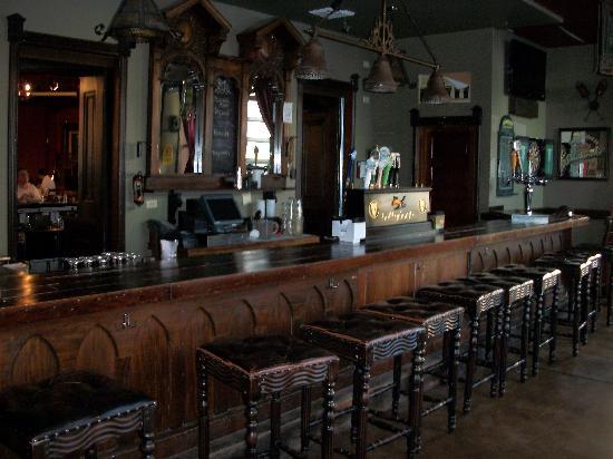 Ballydoyle Irish Pub & Restaurant: One of two Bars (smaller one)