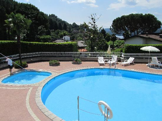 Hotel La Bussola: piscina