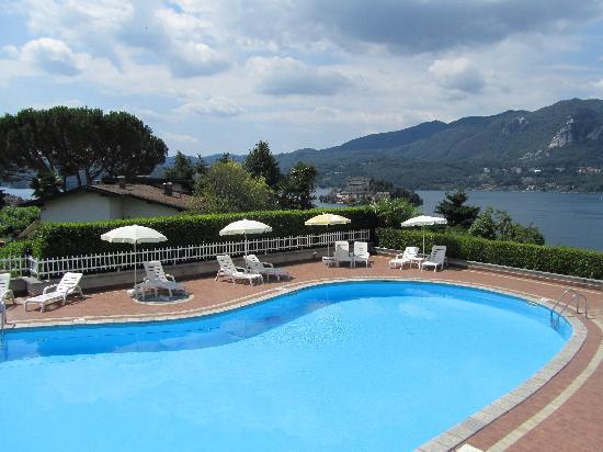 هوتل لا بوسولا: piscina