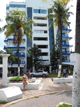 Sol Caribe Sea Flower Hotel : Fachada hotel, Parque de la Barracuda