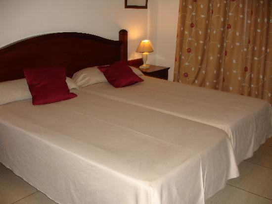 Marylanza Suites & Spa: our bedroom